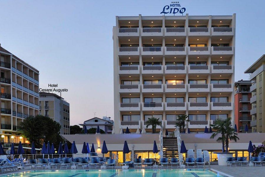 Hotel bibione benvenuti all 39 hotel cesare augusto - Hotel bibione con piscina ...