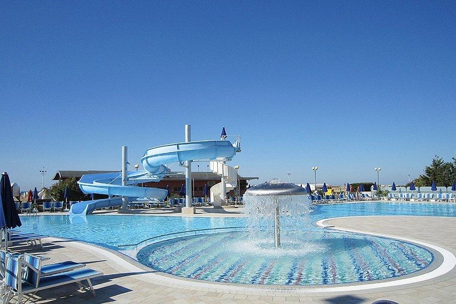 Popolare Le piscine e l'idromassaggio dell'Hotel Cesare Augusto YI39